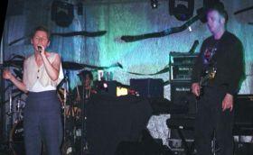 Lisa e Simon durante show