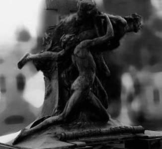 Detalhes das estatuas de bronze monumentais de Brizzolara
