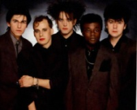 Phil Tornalley, Porl Thompson, Robert Smith, Andy Anderson e Laurence Tolhurst