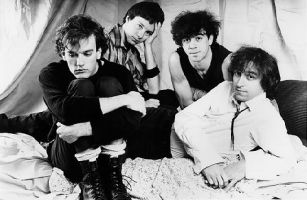 Michael Stipe, Mike Mills, Bill Berry e Peter Buck, em 1983