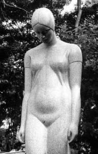 Escultura de autoria de Celso Antonio de Menezes de inspiração art noveau