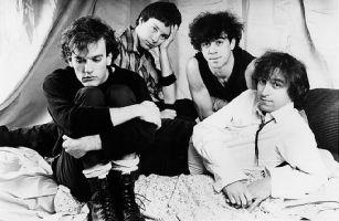 Michael Stipe, Mike Mills, Bill Berry e Peter Buck, em 1983